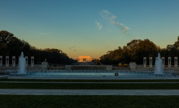 Sunrise on the Lincoln Memorial