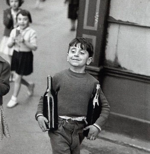henri-cartier-bresson-the-boy-1952-paris-e1396970758264