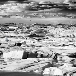 Jokulsarlon Icebergs & Vatnajokull Glalcier