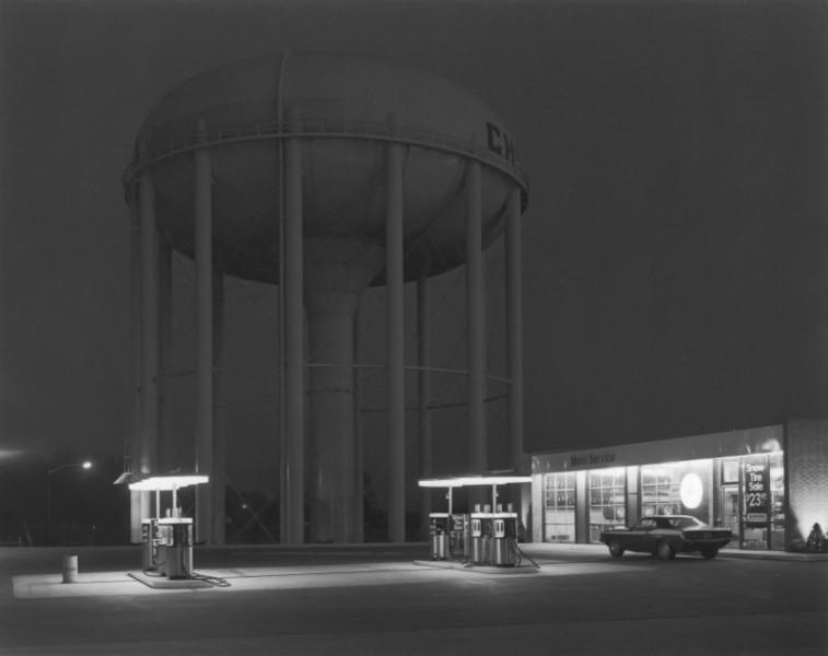 Petit's Mobil Station, Cherry Hill, NJ: George Tice