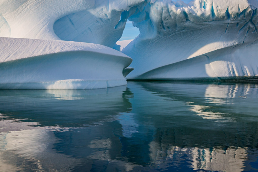 Iceberg Arch, Pleneau Bay