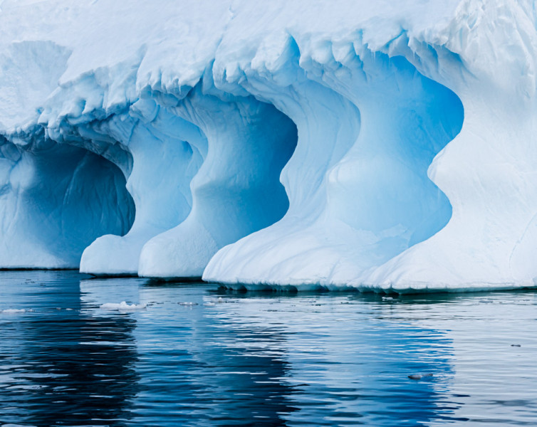 Iceberg Formations, Pleneau Bay