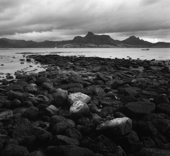Rocks and Lion Mountain, Maurutius